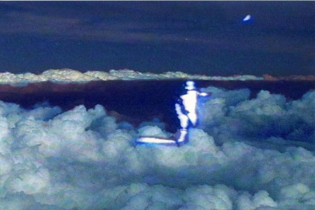 Floating time (nuage), 2006, Tirage lambda, controllé sur Diabond et sous Diasec, 40 x 27 cm, ed. 6 + 1 e.a.